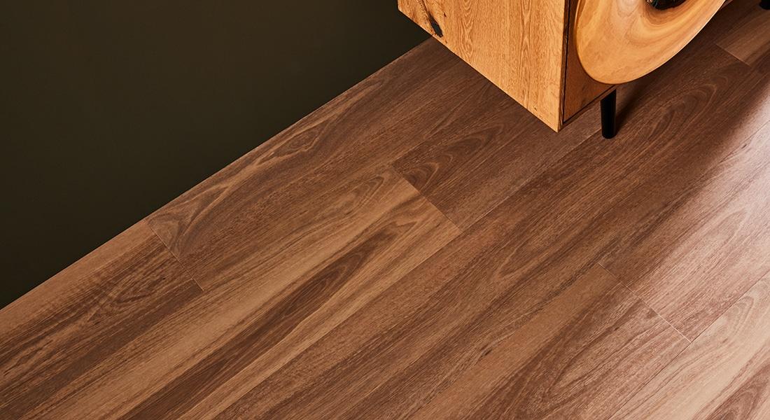 88Planks_Room7 - Brown Wood Luxury Vinyl Tiles - 88 Planks - Vinyl Planks & Tiles by Signature Flooring | Vinyl Plank Flooring | wood planks or stone tiles in form of vinyl tiles, planks or vinyl sheet | Buy Signature vinyl floorboards to design unique commercial vinyl flooring