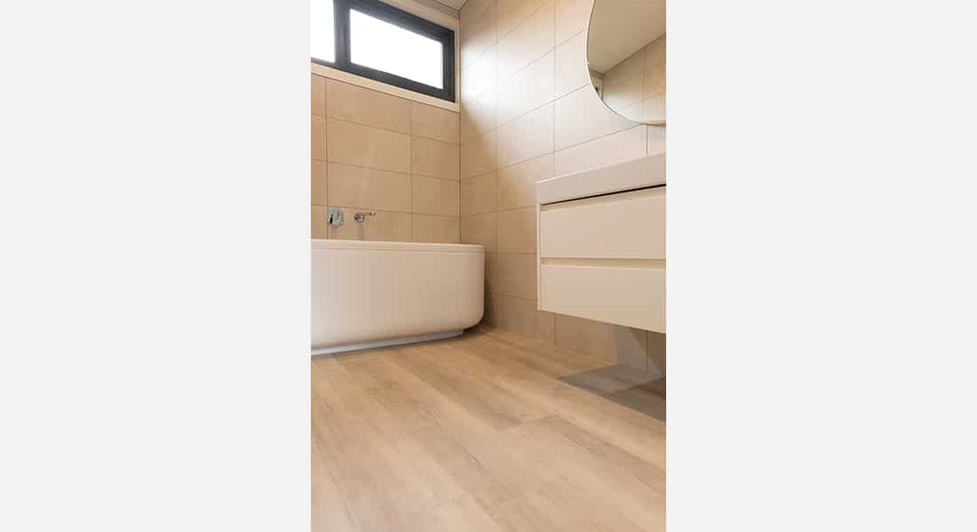 Residential Flooring - Hybrid Flooring, Summerville, Paronella Oak
